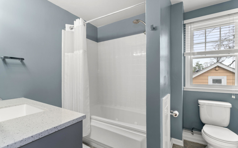 9111 Louis Ave-large-033-005-Interior-1498×1000-72dpi