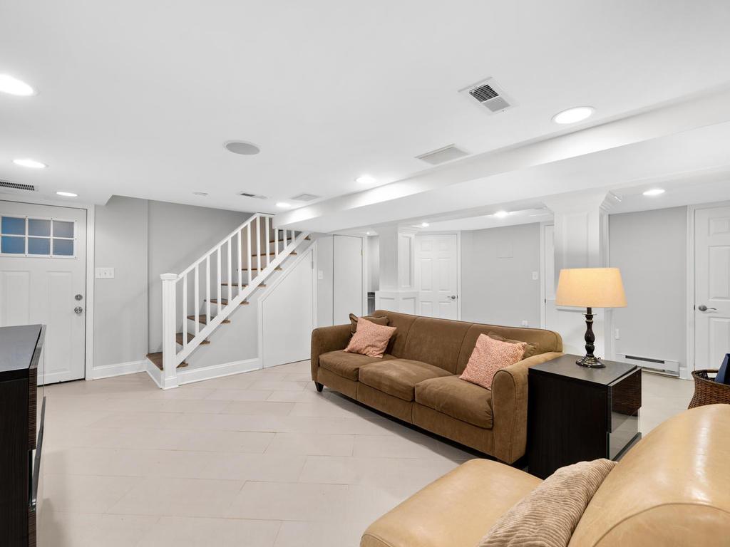 9406 Columbia Blvd-037-027-Interior-MLS_Size