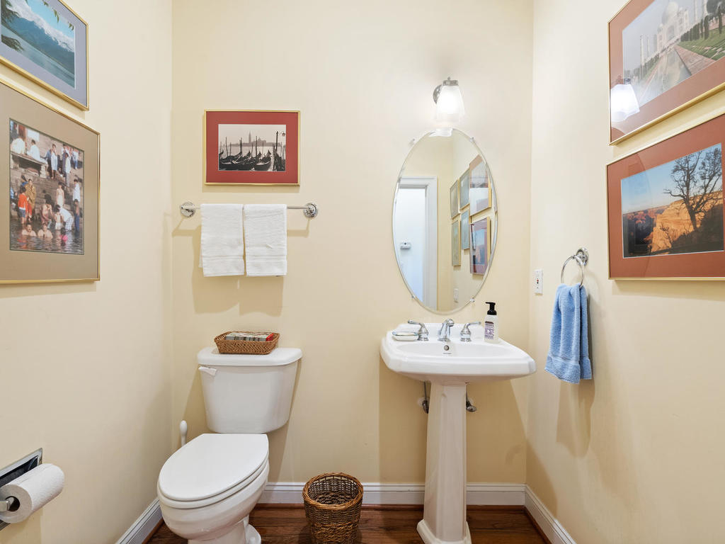 504 Greenbrier Dr-028-012-Interior-MLS_Size