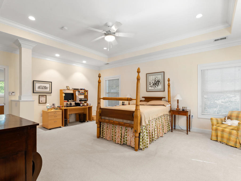 504 Greenbrier Dr-033-016-Interior-MLS_Size