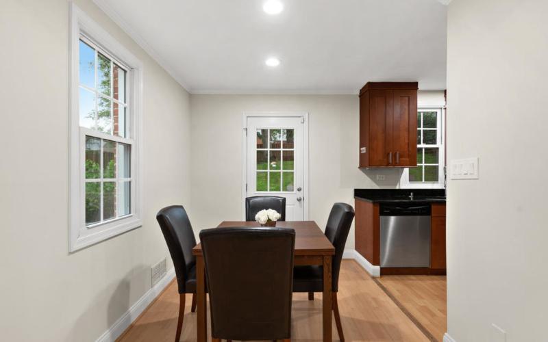 1107 Dennis Ave-012-013-Interior-MLS_Size