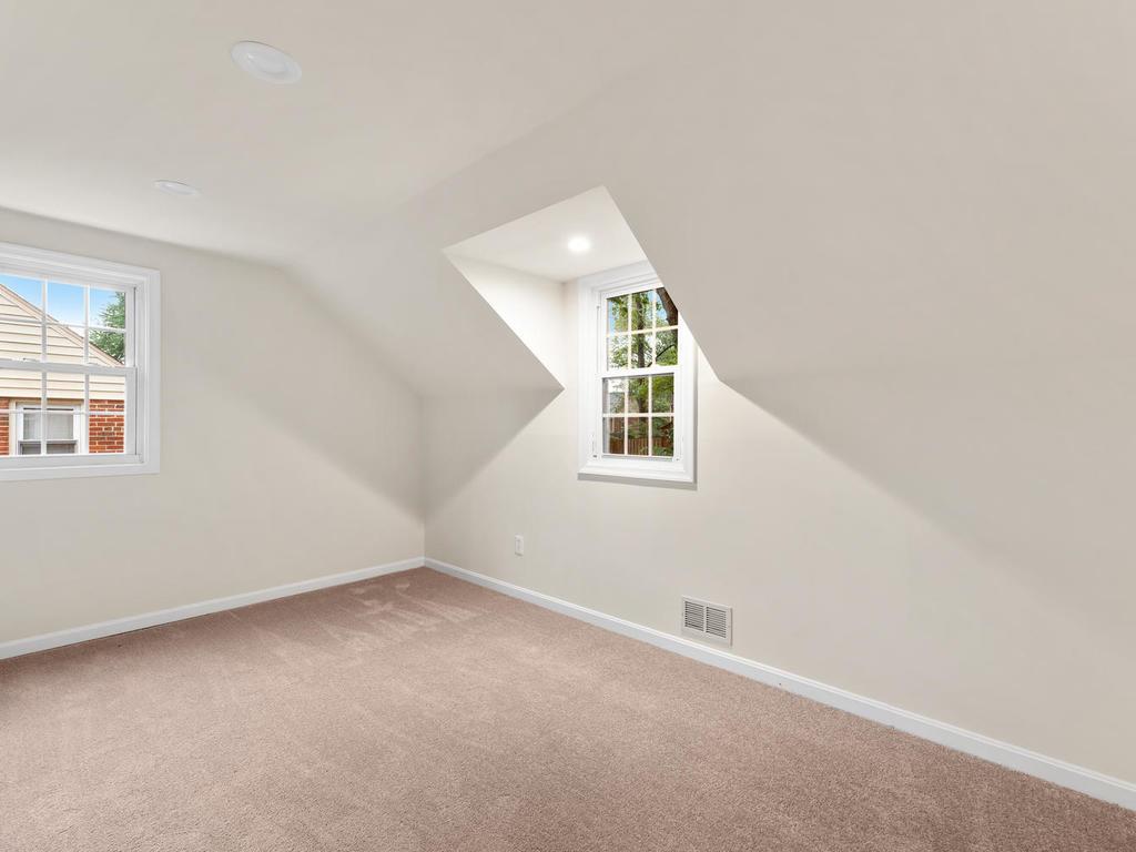 1107 Dennis Ave-036-026-Interior-MLS_Size