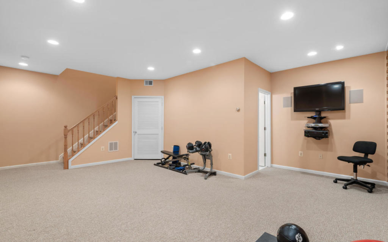 337 Vierling Dr-046-001-Interior-MLS_Size