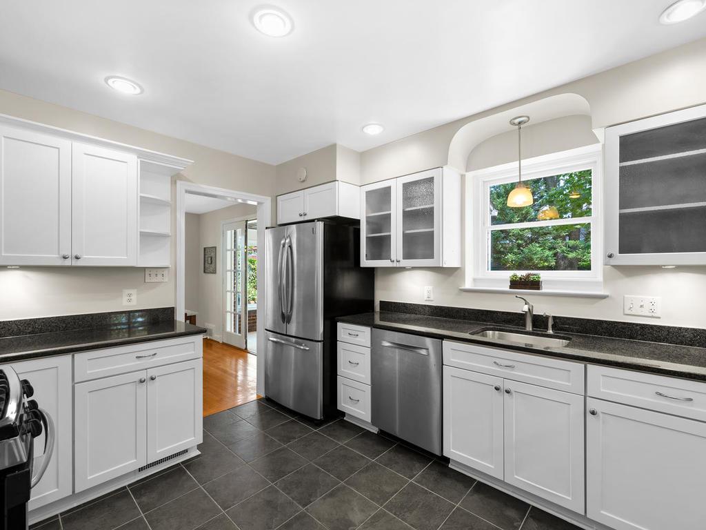7919 Takoma Ave-015-016-Interior-MLS_Size