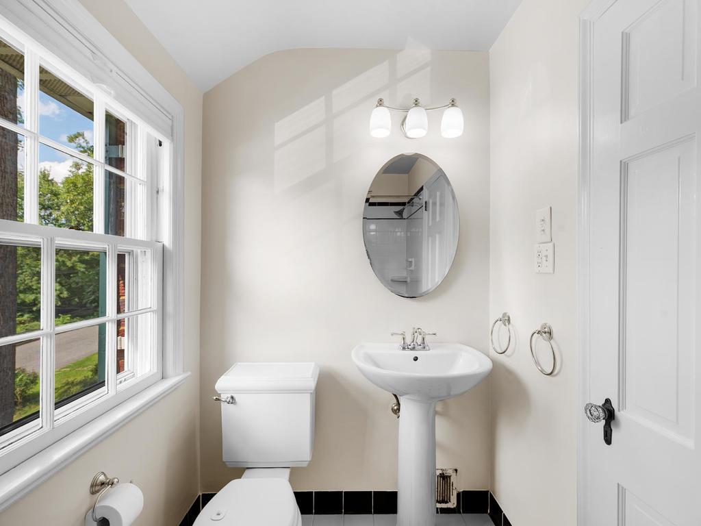 7919 Takoma Ave-028-022-Interior-MLS_Size