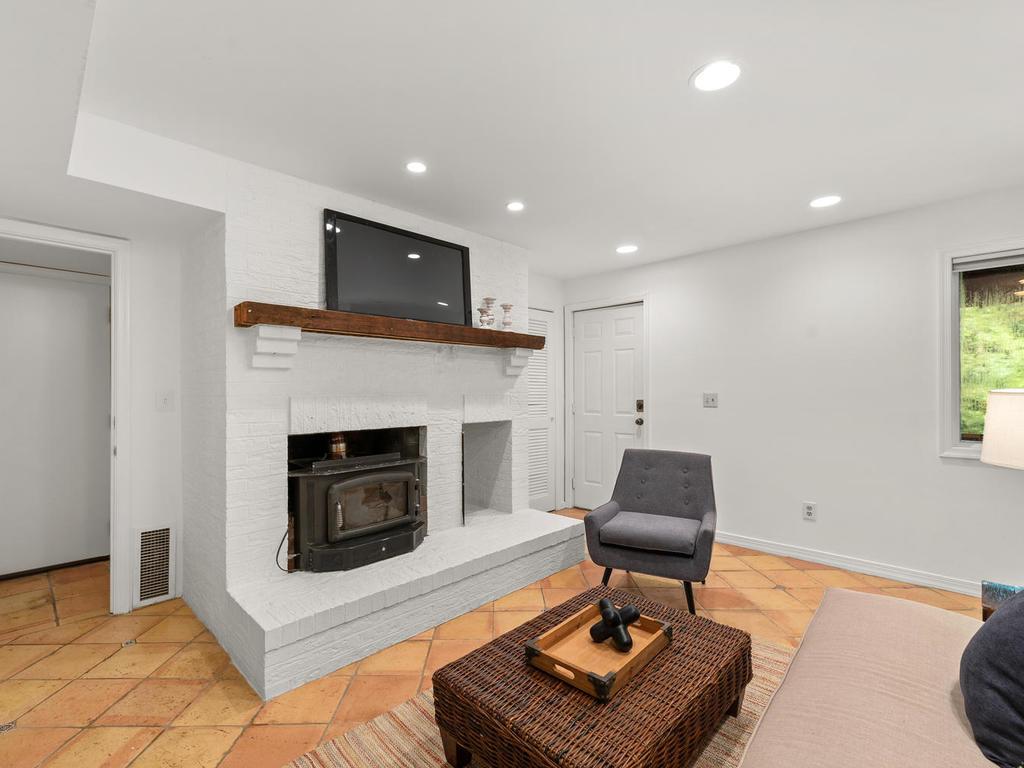 8215 Sligo Creek Pkwy-006-018-Interior-MLS_Size