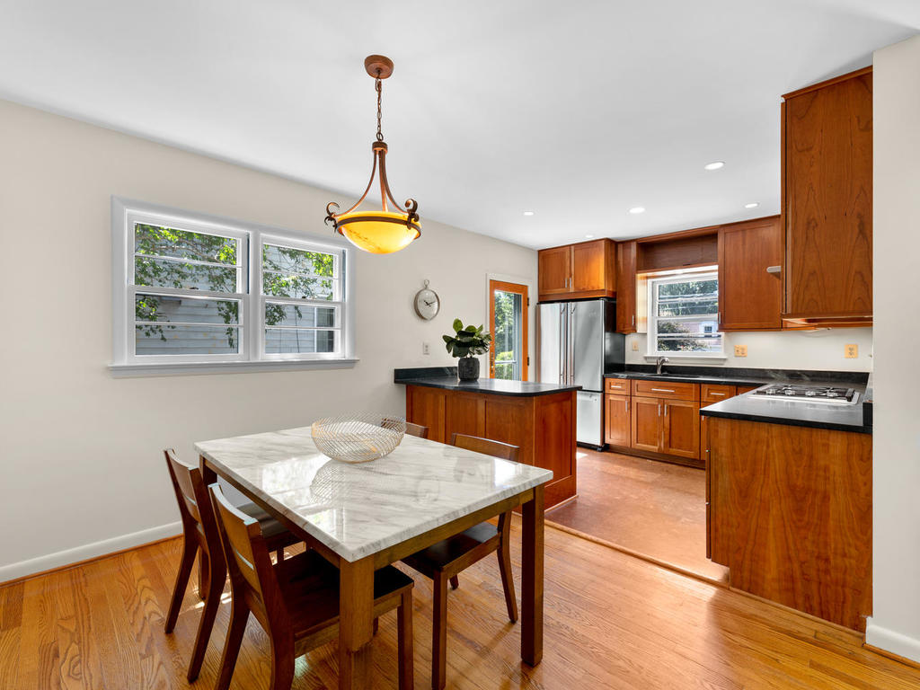 9917 Capitol View Ave-013-024-Interior-MLS_Size