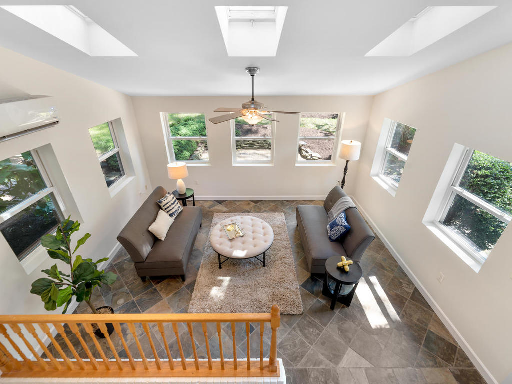 9917 Capitol View Ave-026-021-Interior-MLS_Size