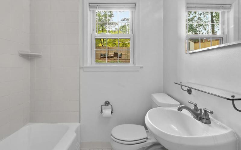 205 Whitmoor Terrace-023-014-Interior-MLS_Size