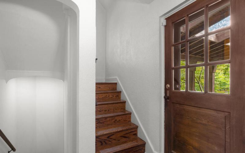 5 Hilltop Rd-019-013-Interior-MLS_Size