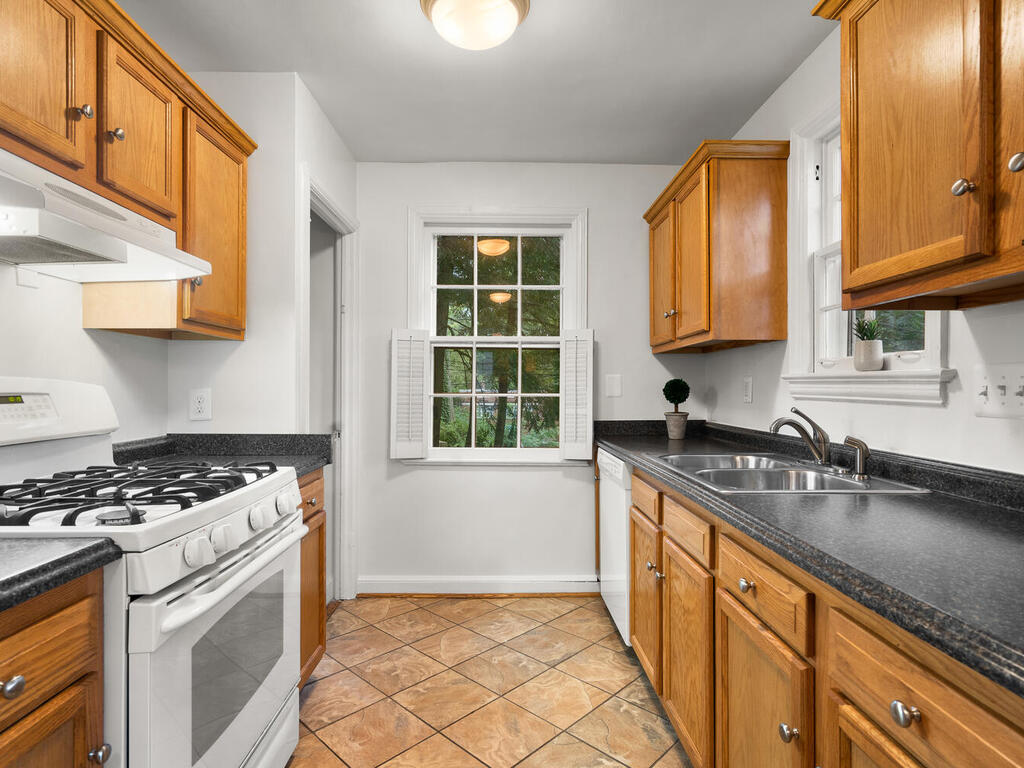 506 Silver Spring Ave-013-016-Interior-MLS_Size