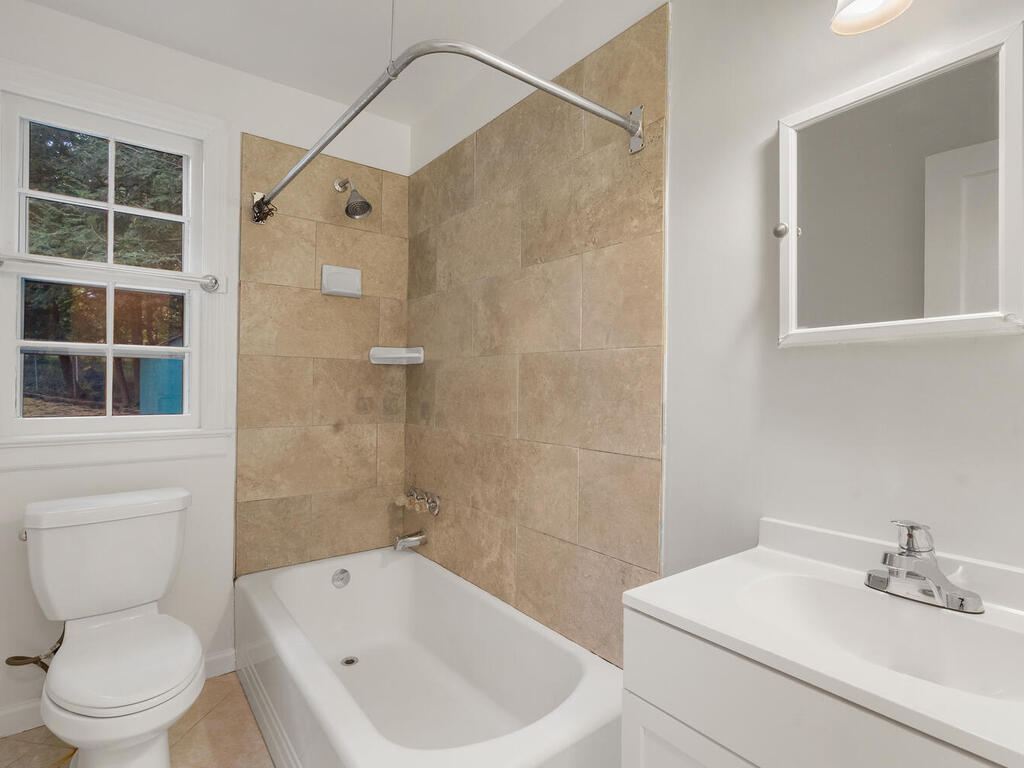 506 Silver Spring Ave-021-006-Interior-MLS_Size