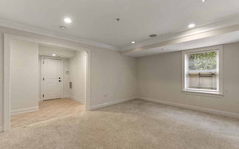 8912 Courts Way-030-040-Interior-MLS_Size