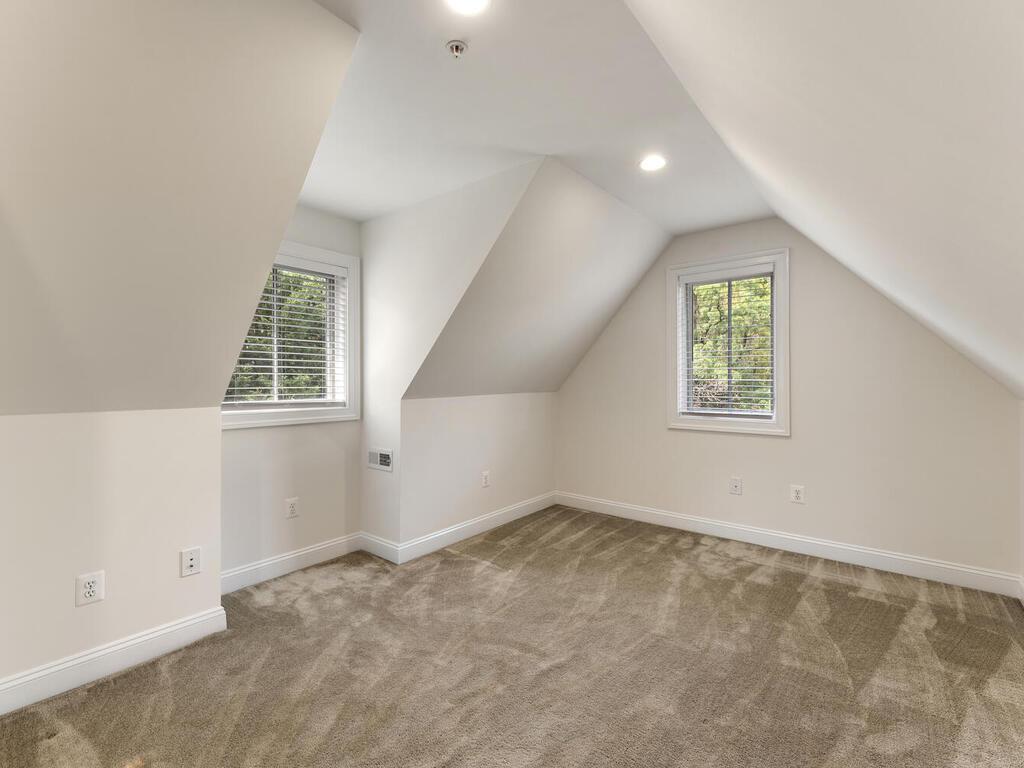 8912 Courts Way-033-004-Interior-MLS_Size
