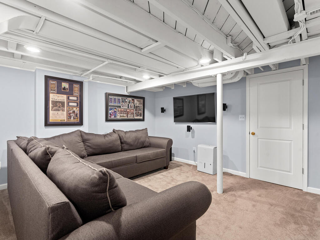 9918 Big Rock Rd-031-003-Interior-MLS_Size