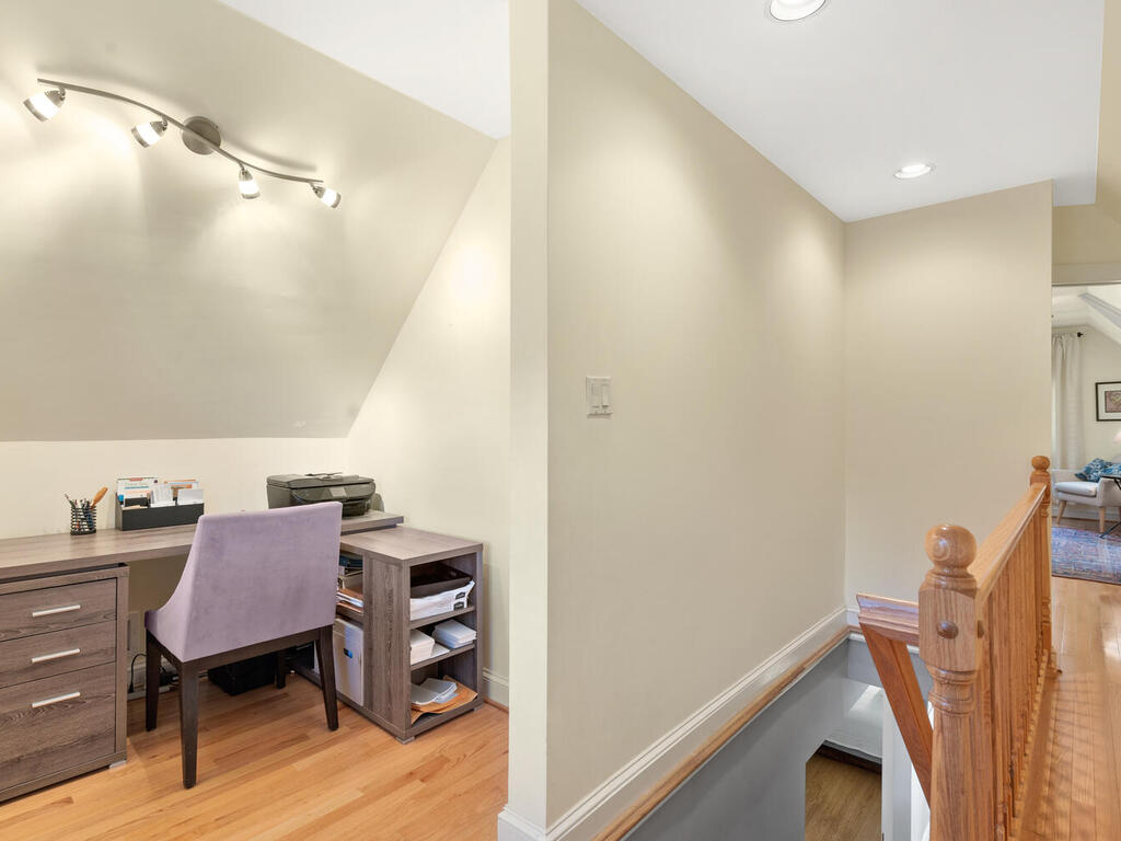 10516 Lorain Ave-021-024-Interior-MLS_Size
