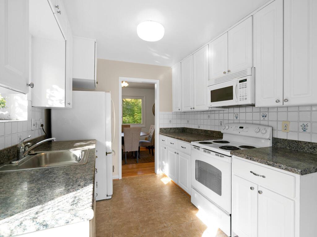 11400 Georgetowne Dr-021-013-Interior-MLS_Size