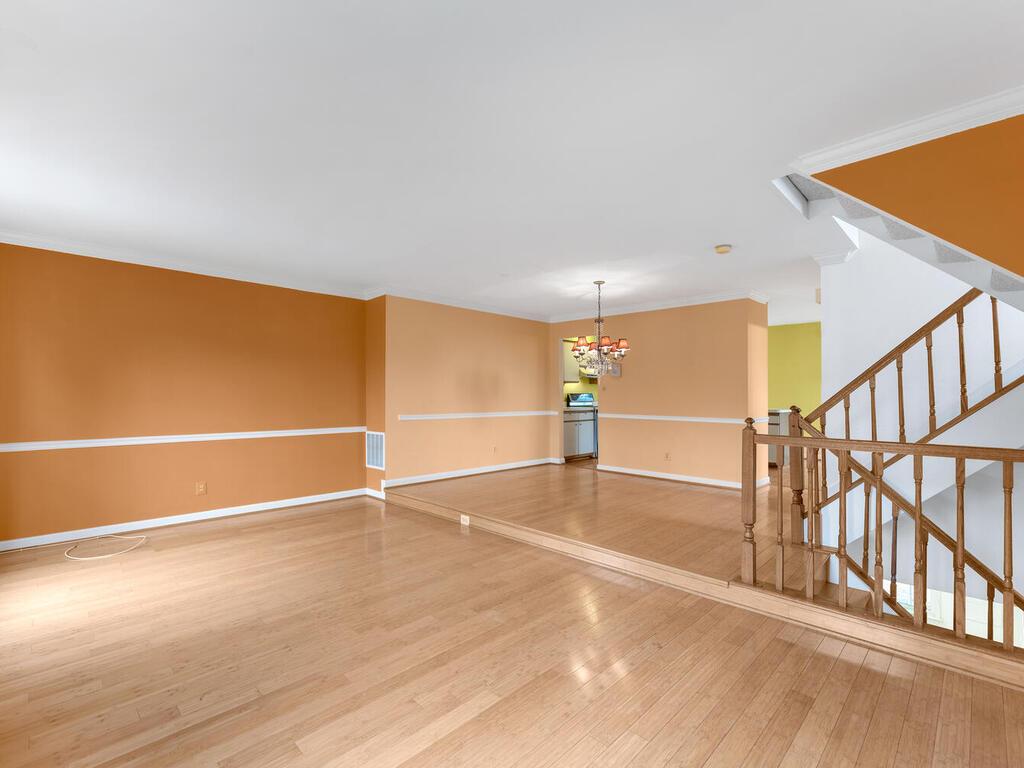 2801 Strauss Terrace-007-009-Interior-MLS_Size