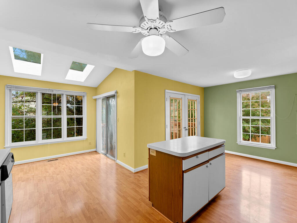 2801 Strauss Terrace-016-024-Interior-MLS_Size