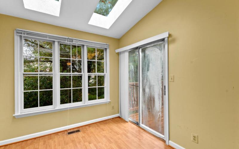 2801 Strauss Terrace-019-027-Interior-MLS_Size