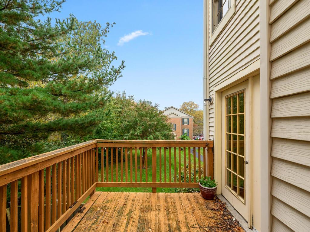 2801 Strauss Terrace-043-043-Exterior-MLS_Size
