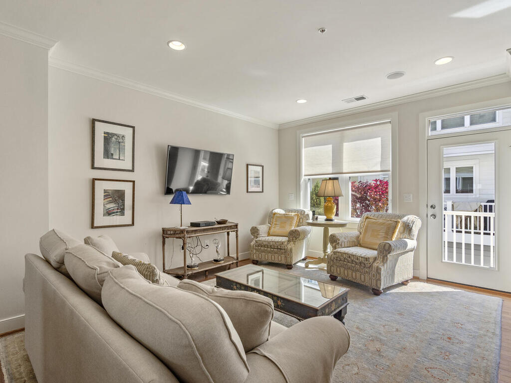 42 Ellsworth Heights St-019-041-Interior-MLS_Size