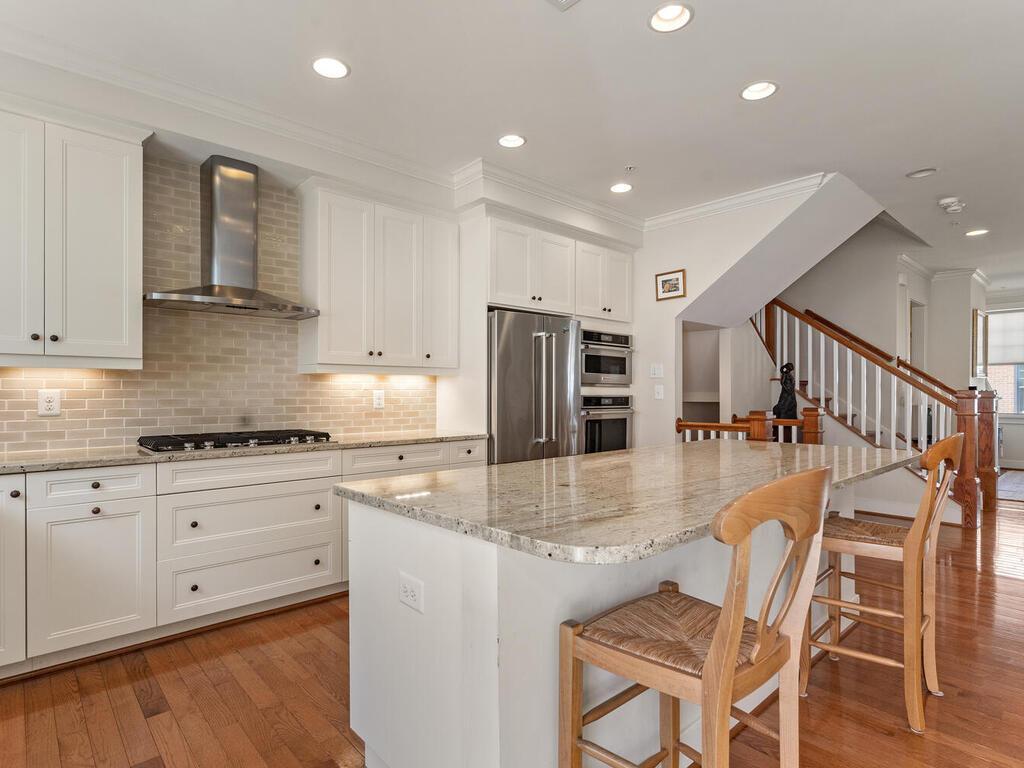 42 Ellsworth Heights St-034-048-Interior-MLS_Size