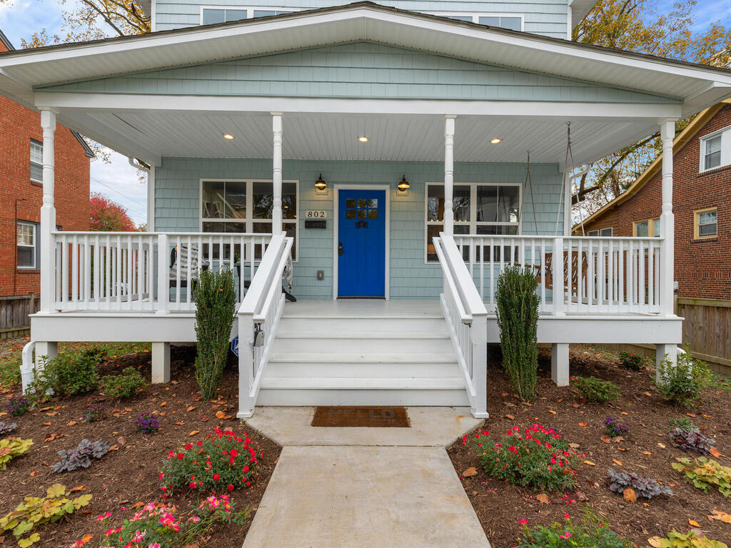 802 Easley St-004-059-Exterior-MLS_Size