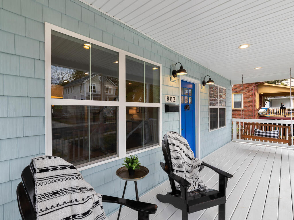 802 Easley St-006-051-Exterior-MLS_Size