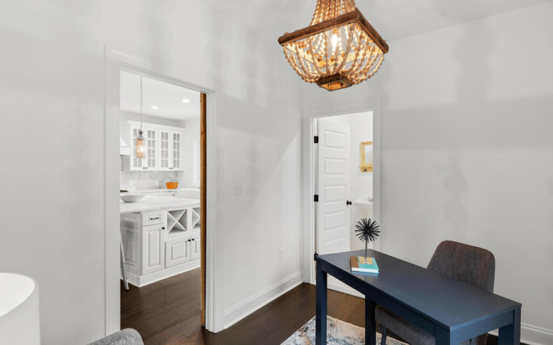 802 Easley St-024-037-Interior-MLS_Size