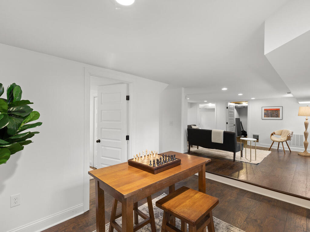 802 Easley St-047-004-Interior-MLS_Size