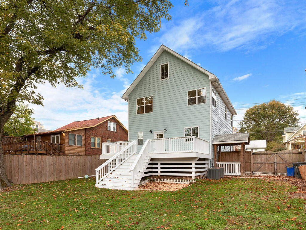 802 Easley St-059-006-Exterior-MLS_Size