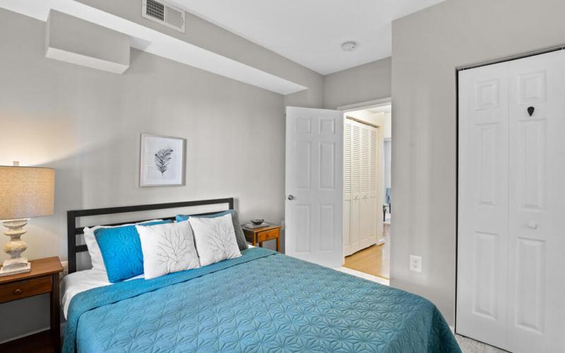 1280 Raum St NE-025-005-Interior-MLS_Size