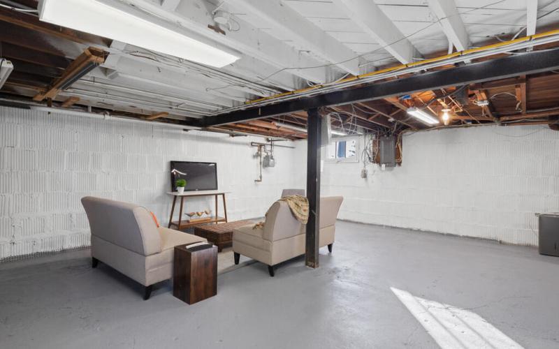 2011 Luzerne Ave-043-019-Interior-MLS_Size