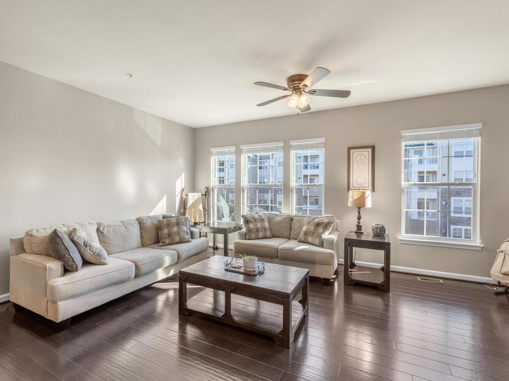 12883 Clarksburg Square Rd-007-031-Interior-MLS_Size