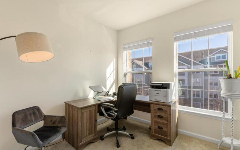 12883 Clarksburg Square Rd-036-038-Interior-MLS_Size