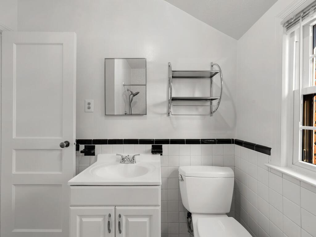 416 Deerfield Ave-032-030-Interior-MLS_Size