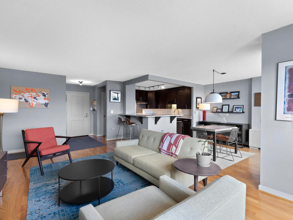 7333 New Hampshire Ave-012-004-Interior-MLS_Size