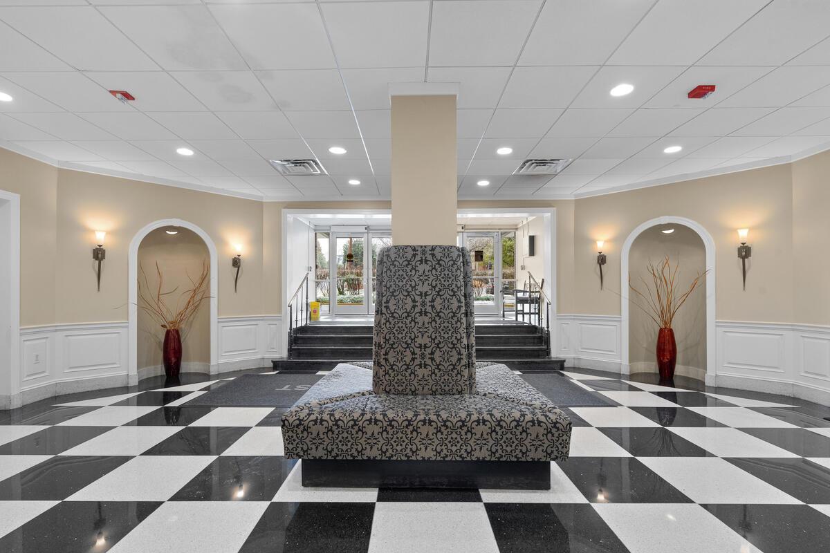 8315 N Brook Ln-005-003-Interior-MLS_Size