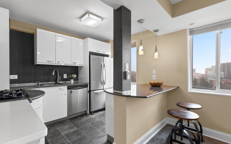 8315 N Brook Ln-021-013-Interior-MLS_Size