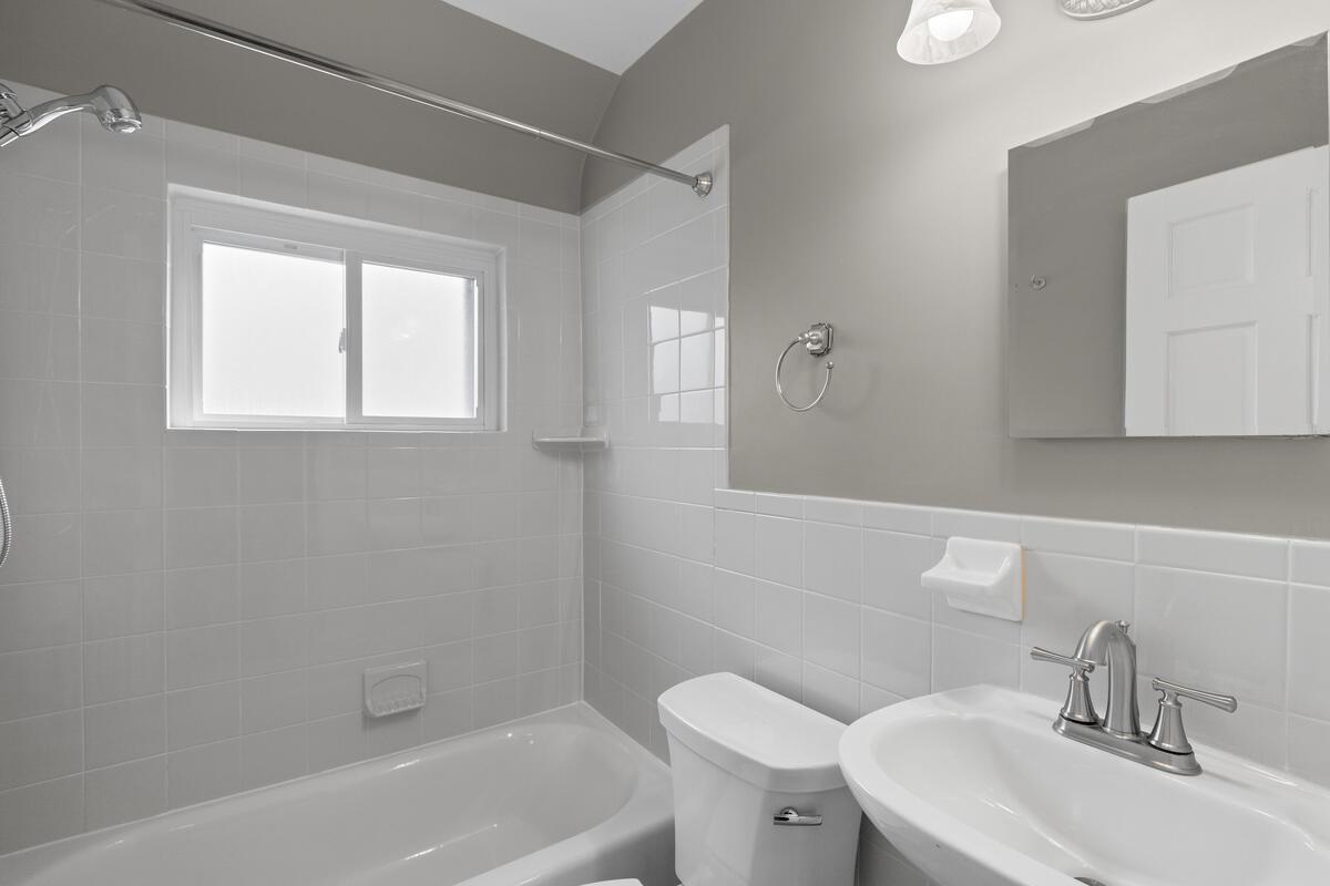 8402 Cedar St-025-023-Interior-MLS_Size