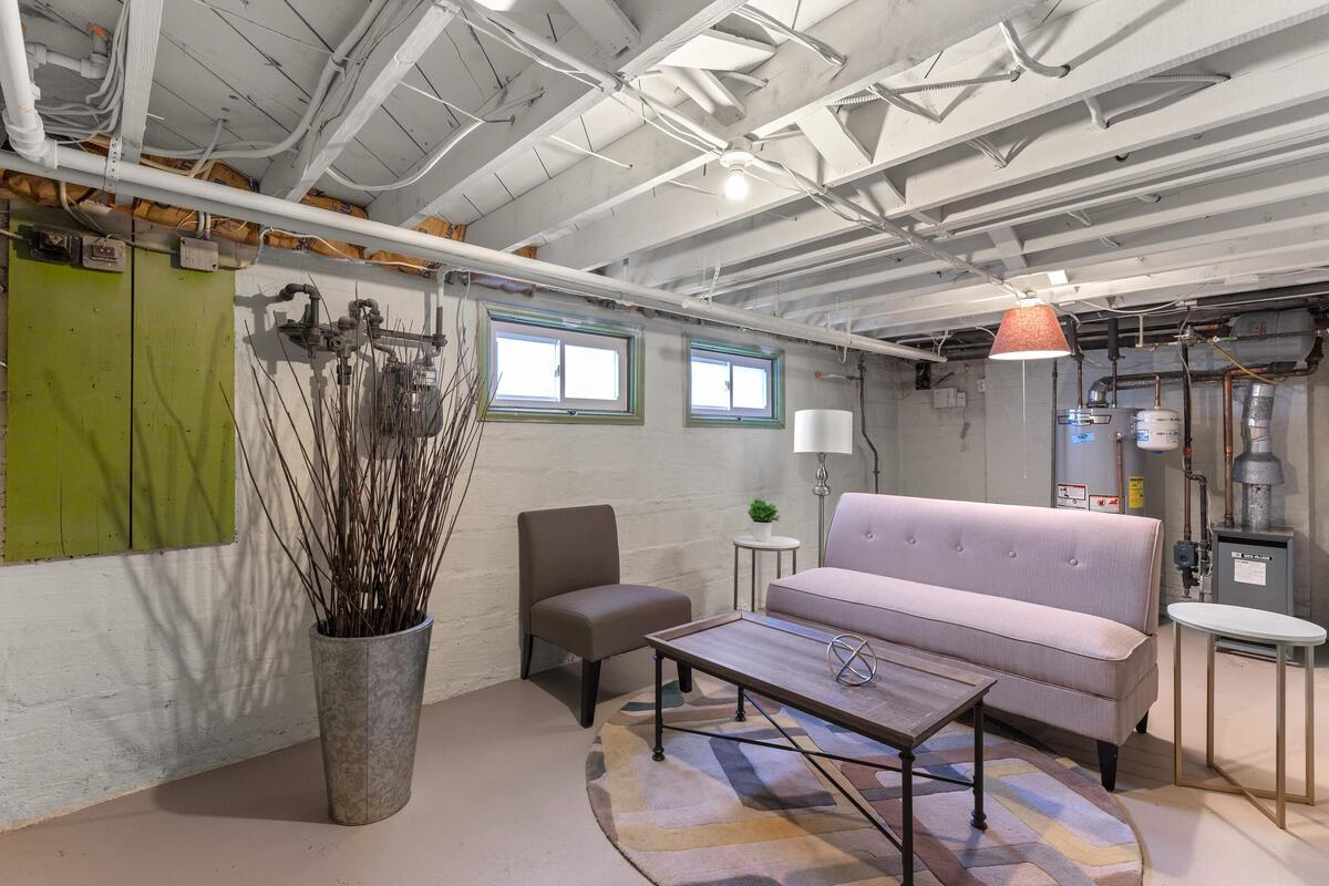 8402 Cedar St-040-012-Interior-MLS_Size