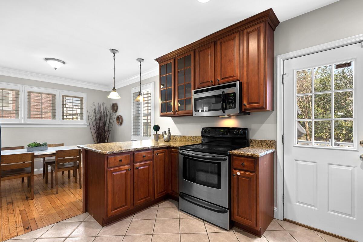 9338 Columbia Blvd-014-010-Interior-MLS_Size