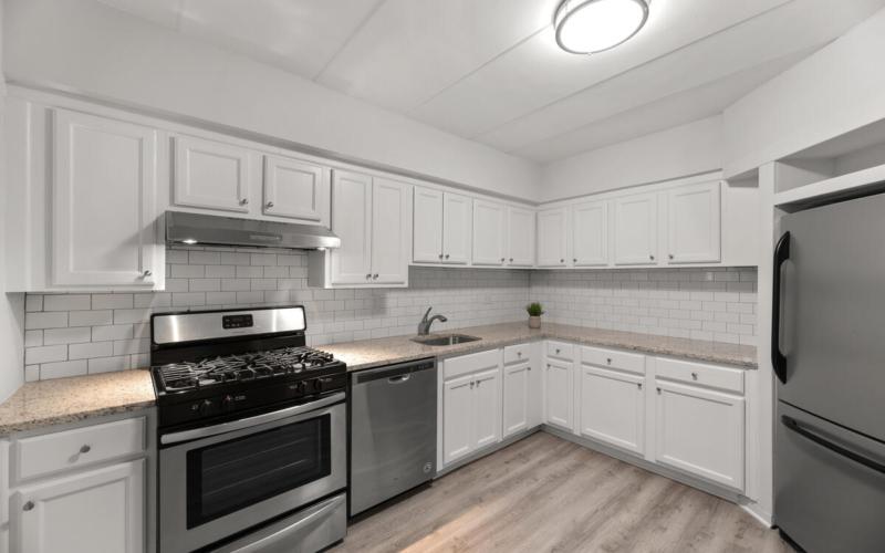 10440 Faulkner Ridge Cir-015-040-Interior-MLS_Size