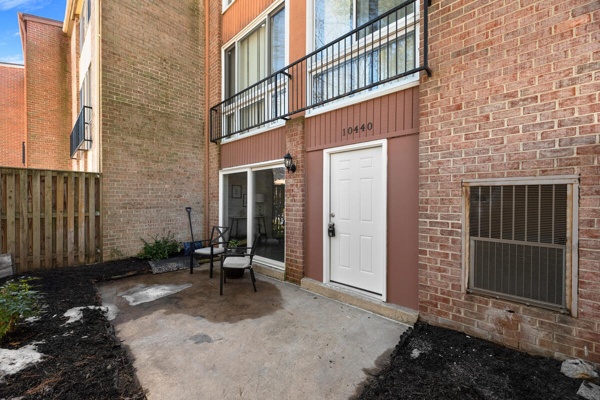 10440 Faulkner Ridge Cir-040-029-Exterior-MLS_Size