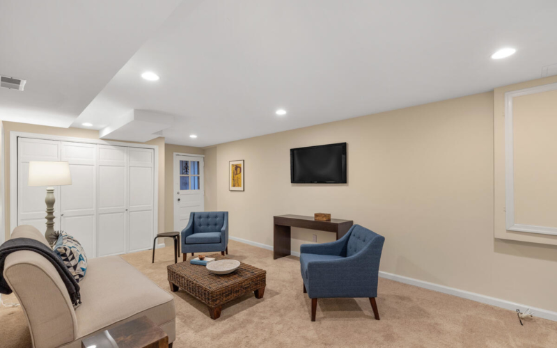 1318 Dale Dr-042-024-Interior-MLS_Size
