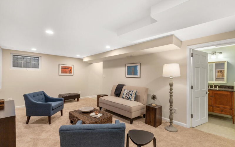 1318 Dale Dr-044-027-Interior-MLS_Size