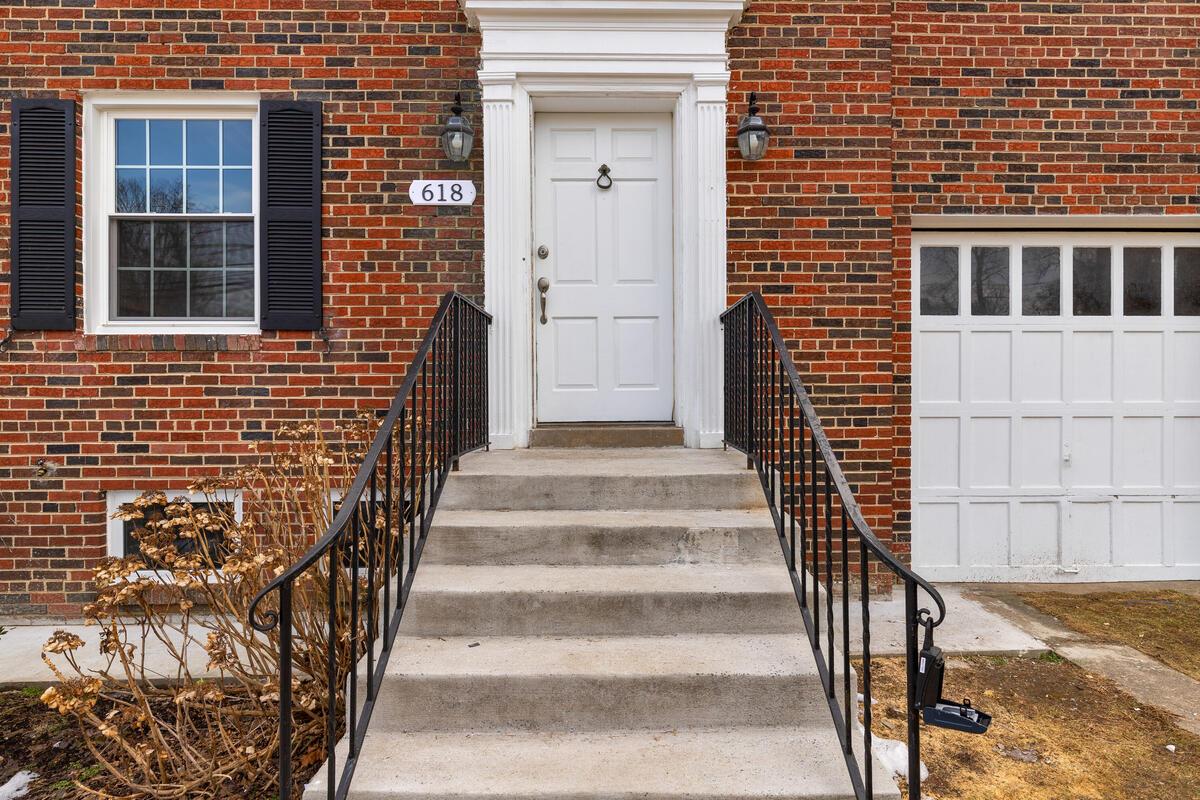 618 Wayne Ave-004-043-Exterior-MLS_Size