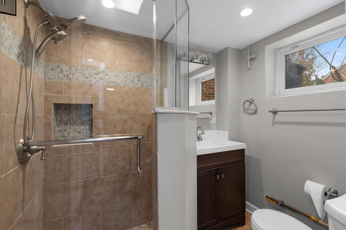 618 Wayne Ave-034-009-Interior-MLS_Size