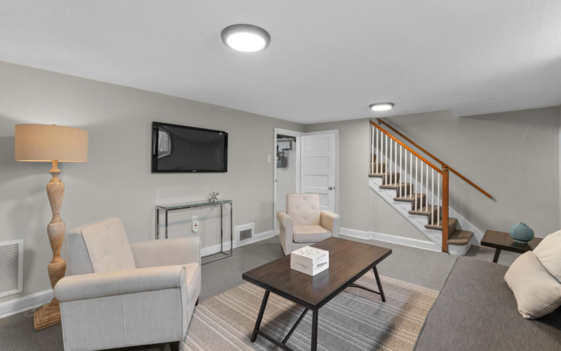 618 Wayne Ave-037-004-Interior-MLS_Size
